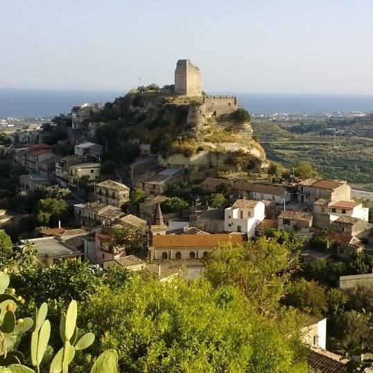 L antico castello sul mare foto fatto da voi - Ristorante borgo antico cucine da incubo ...