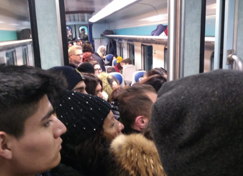 Coronavirus, Fase 2 sui treni? Ecco come viaggiavano i pendolari prima di questa emergenza